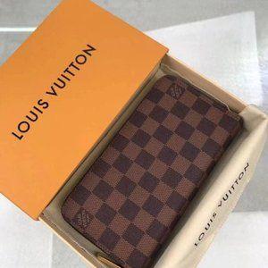 Louis Vuitton Men's Classic Long Wallet